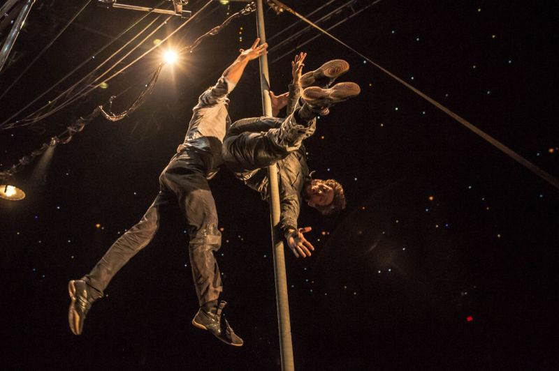 Rīgas cirks piedāvā: izrāde Machine de Cirque